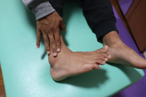 【症例報告】練習中に右の足首が痛いです 足関節捻挫 サッカー 高1